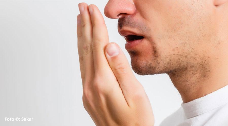 Mal aliento o halitosis: ¿qué lo causa y cómo corregirlo?
